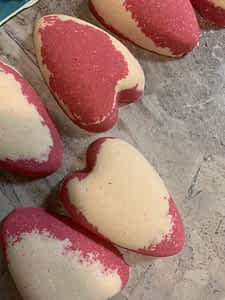 Rose Heart-shaped Bath Bomb